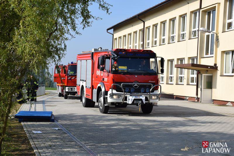 Oglądasz obraz z artykułu: Ćwiczenia strażaków w Sobolowie